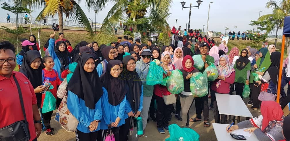 Program Plogging Daerah Pekan (3)
