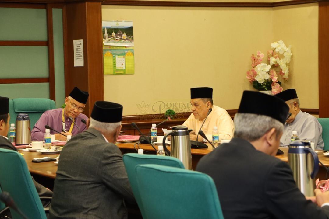 LAWATAN RAMAH MESRA ORANG BESAR SELANGOR KE MAJLIS UGAMA ISLAM PAHANG00031