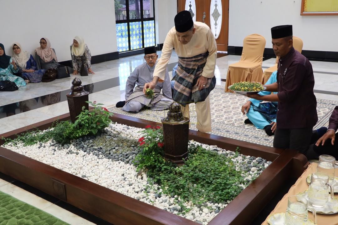 LAWATAN RAMAH MESRA ORANG BESAR SELANGOR KE MAJLIS UGAMA ISLAM PAHANG00032