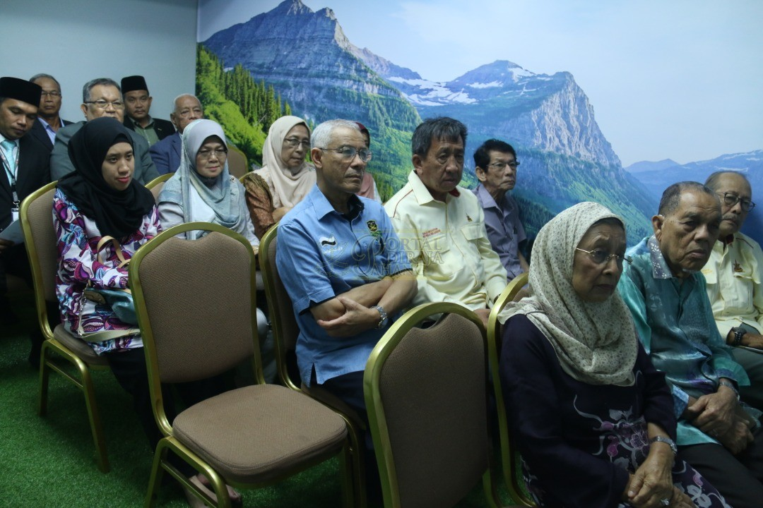 TERUJA DENGAN PENCAPAIAN MAJLIS UGAMA ISLAM PAHANG00036