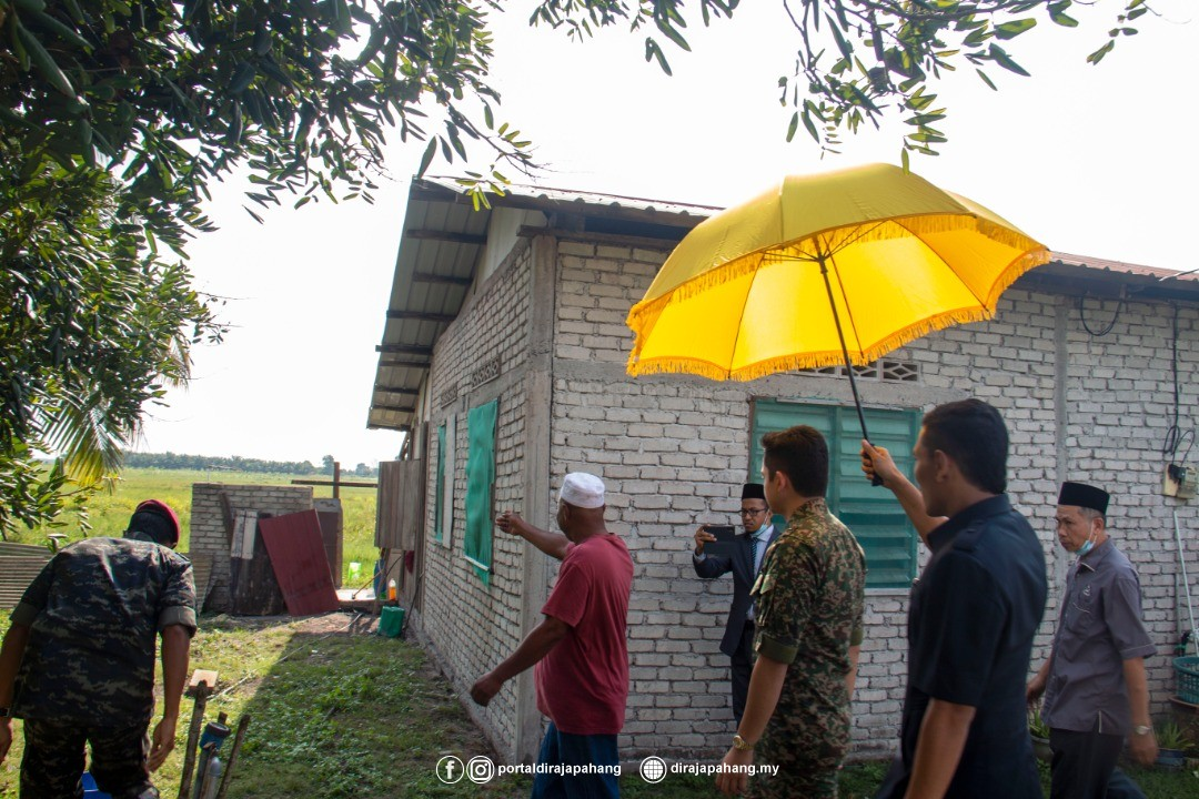KDYMM Pemangku Raja Pahang Kurnia Bantuan 18 Mangsa Ribut (10)