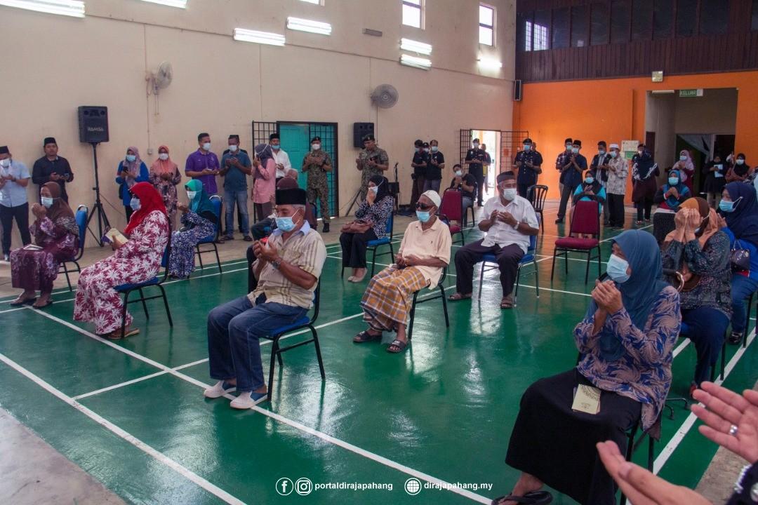 KDYMM Pemangku Raja Pahang Kurnia Bantuan 18 Mangsa Ribut (3)