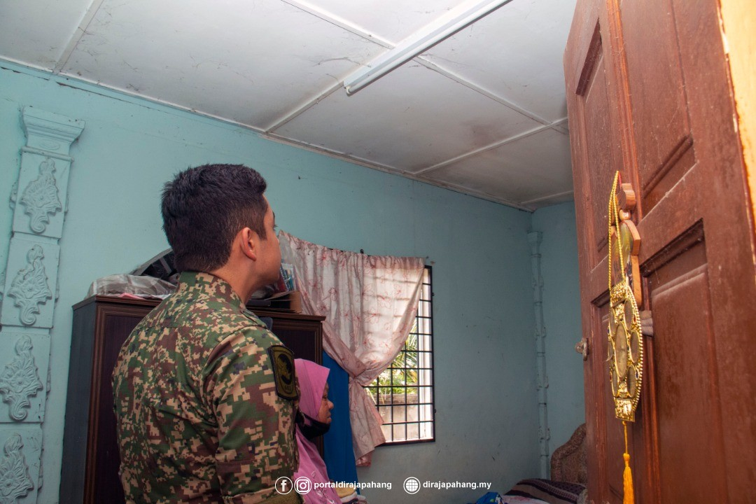 KDYMM Pemangku Raja Pahang Kurnia Bantuan 18 Mangsa Ribut (5)