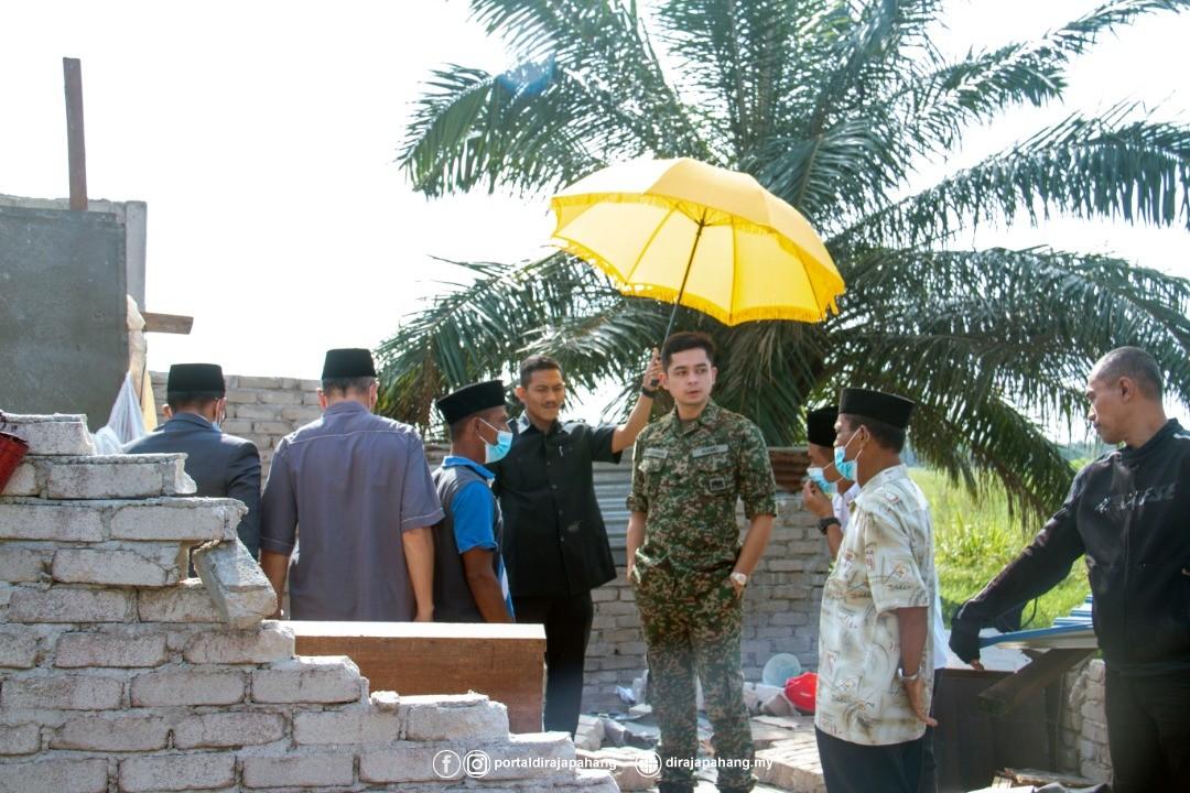 KDYMM Pemangku Raja Pahang Kurnia Bantuan 18 Mangsa Ribut (8)
