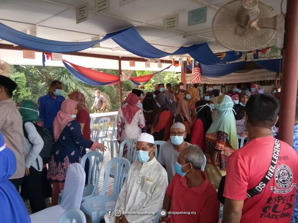 Melawat Mangsa Banjir (1)