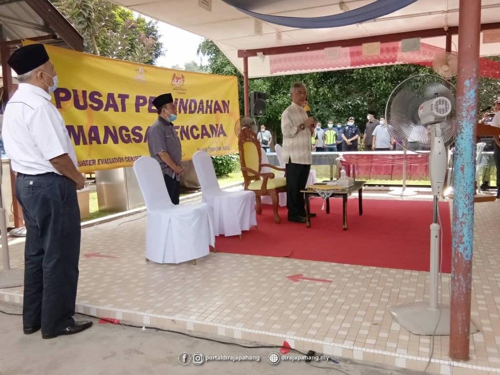 Melawat Mangsa Banjir (10)