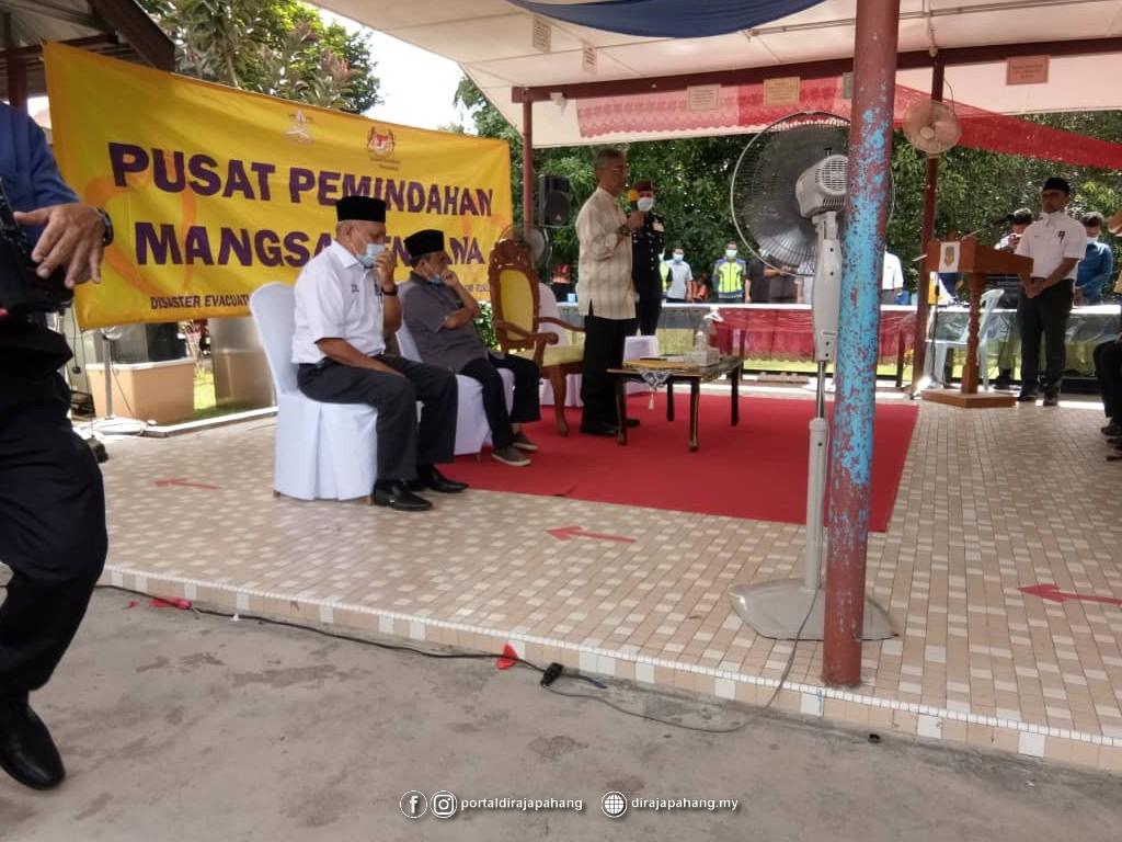 Melawat Mangsa Banjir (14)