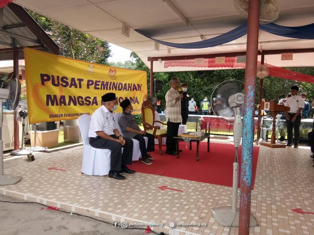 Melawat Mangsa Banjir (17)