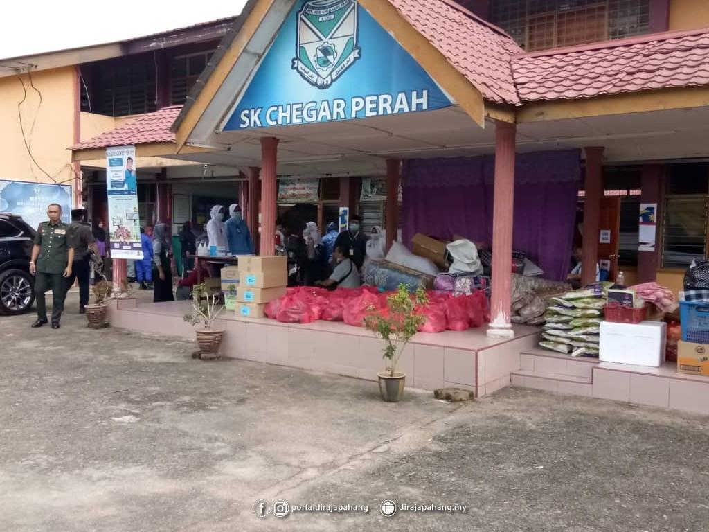 Melawat Mangsa Banjir (4)