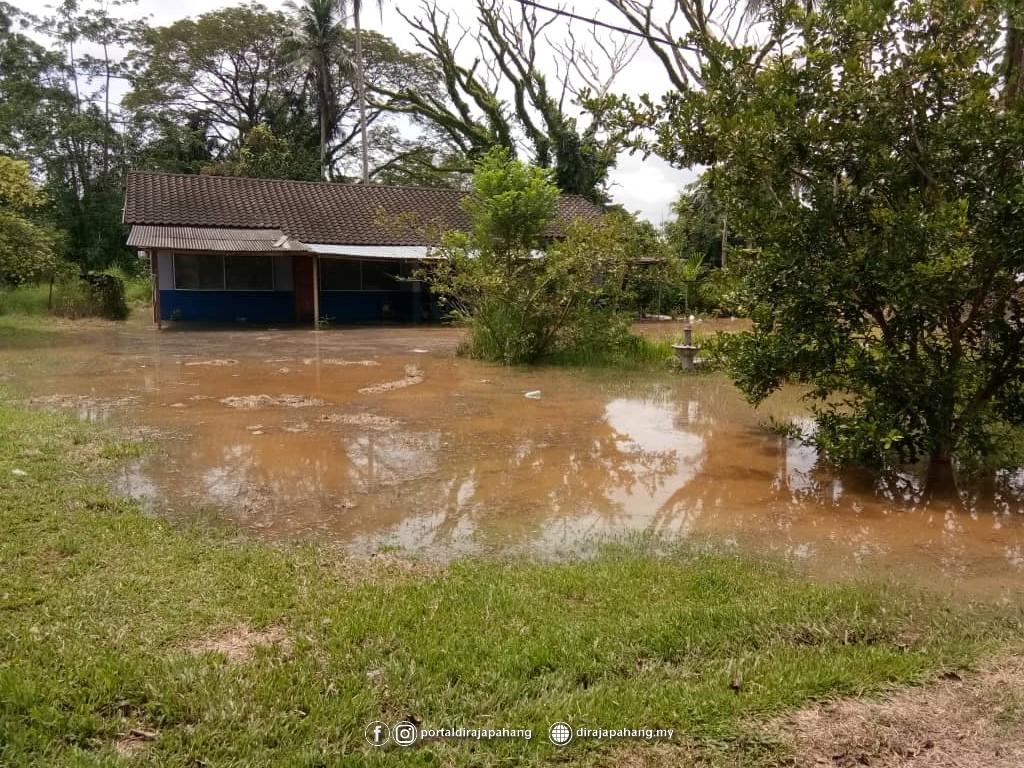 Melawat Mangsa Banjir (5)
