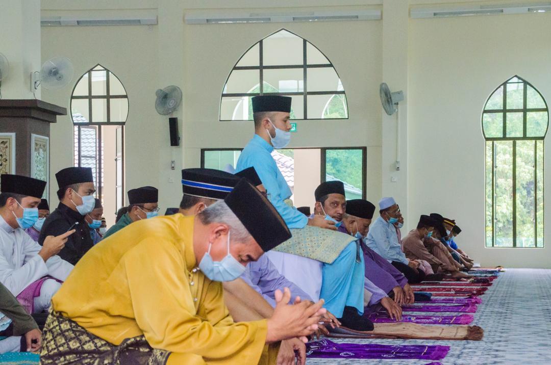 Solat Jumaat Pertama di Masjid Baru Benta (2)