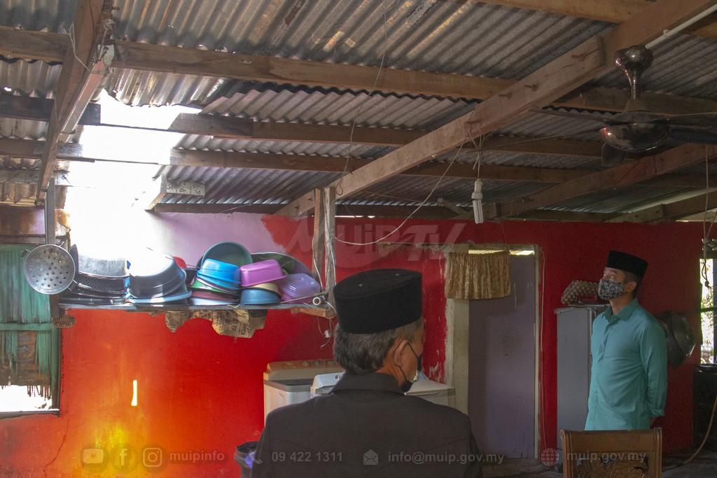 PRP Lawat Mangsa Ribut (2)