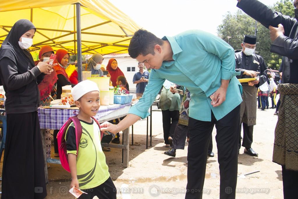 PRP Lawat Mangsa Ribut (5)